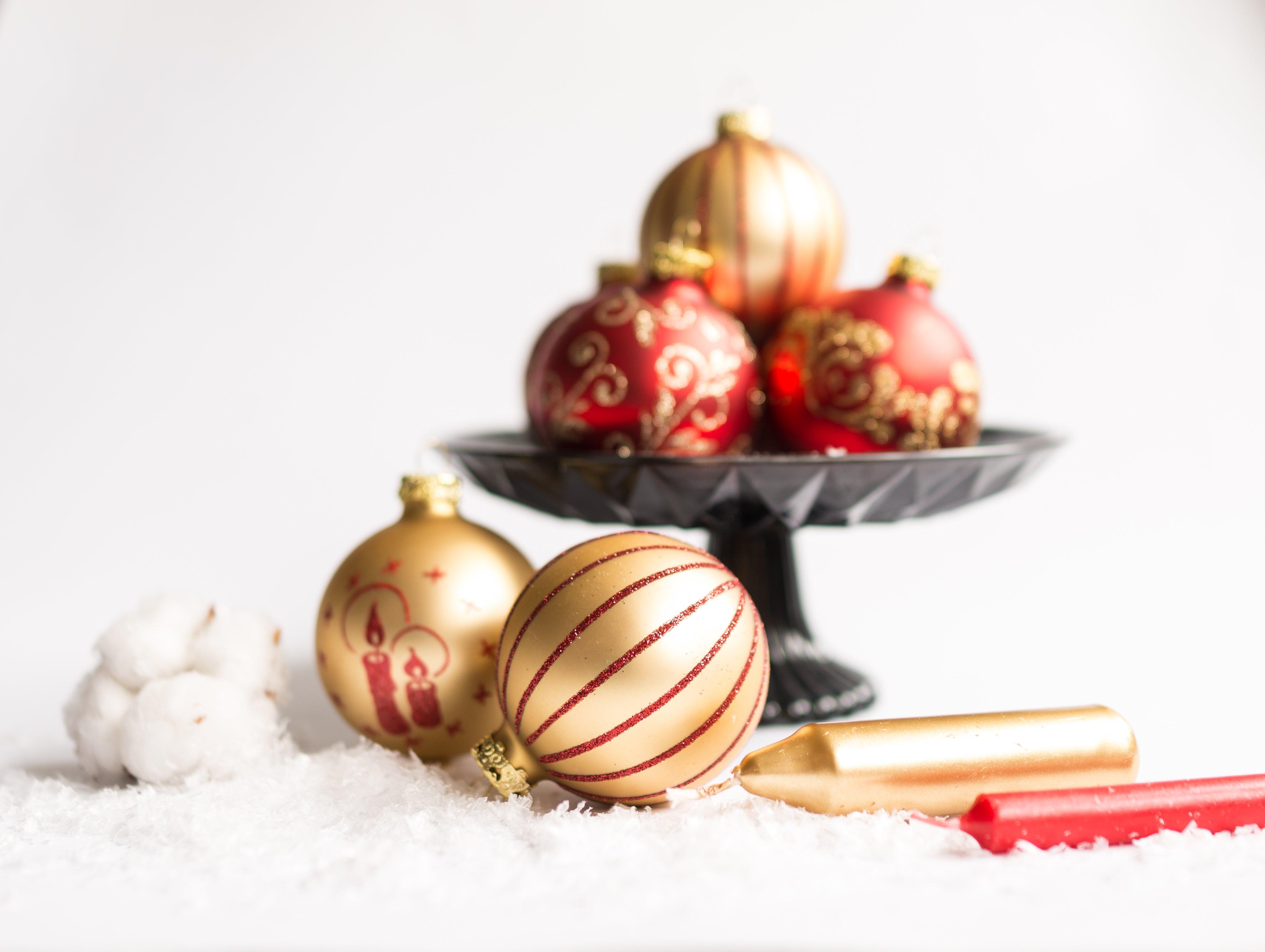 weihnachtskugel bilder christbaumschmuck fotos kostenlos. Black Bedroom Furniture Sets. Home Design Ideas
